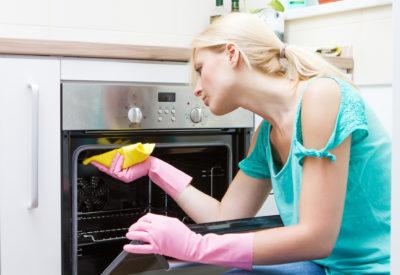 Rengøring af ovn